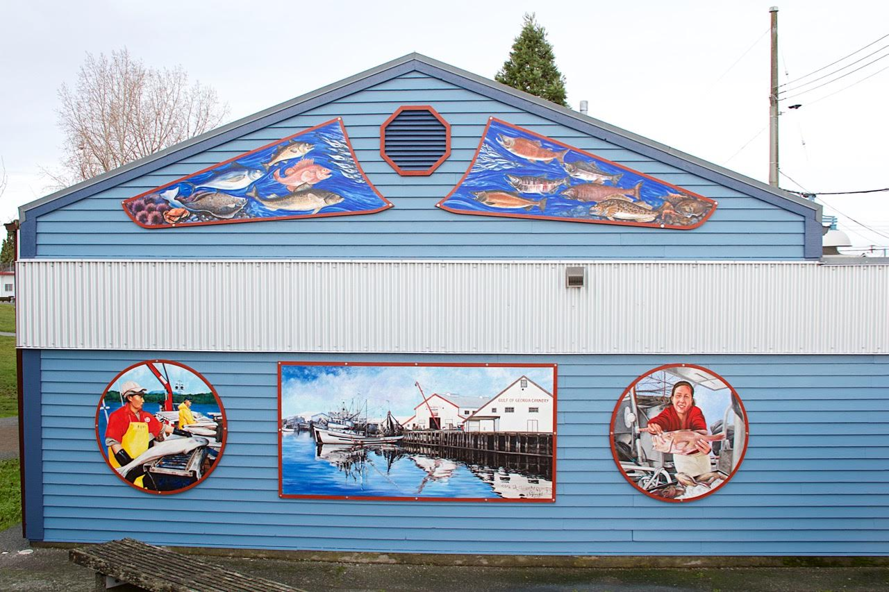 Completed Mural on the south wall of the Fisherman's Park Building
